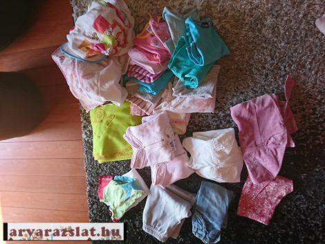 Használt gyerekruha + előke csomag  kb 30 db  74-80
